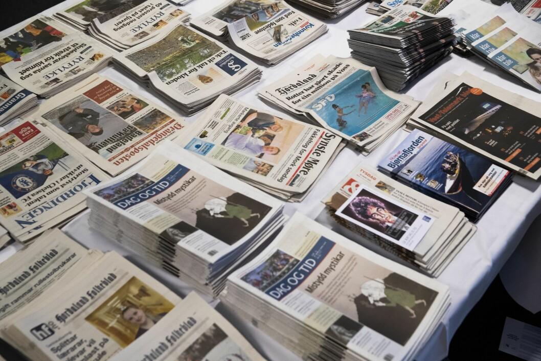 En rekke lokalaviser fra hele landet.