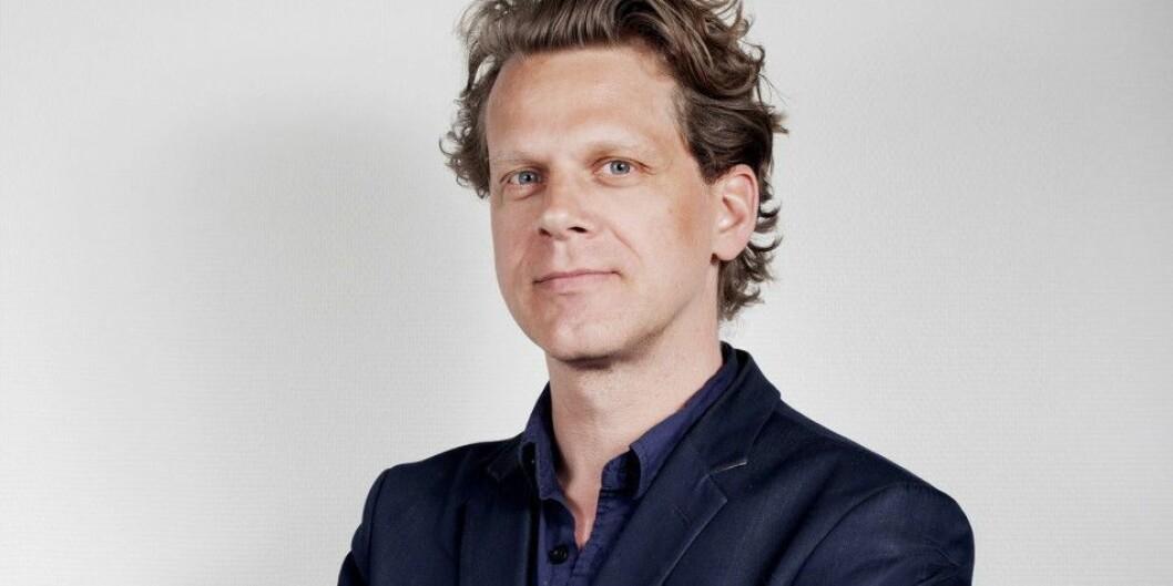 Espen Løkeland-Stai (46) går fra stilling som nyhetsredaktør i Dagsavisen og blir Khronos aller første korrespondent i Brussel.