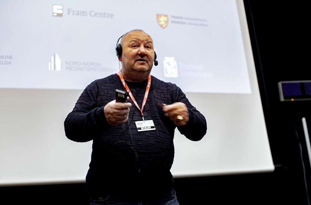 Sergej Kanev er russisk gravejournalist og stod på scenen under Barents Press sin konferanse i Tromsø.