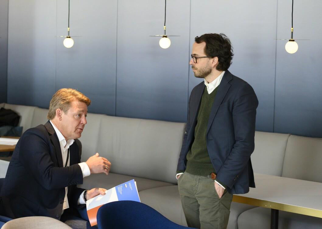 P4-sjef Kenneth Andresen og styreleder Aslak Sommerfelt Skretting i Norsk Lokalradioforbund under framleggingen av Medietilsynets rapport om lokalradio.