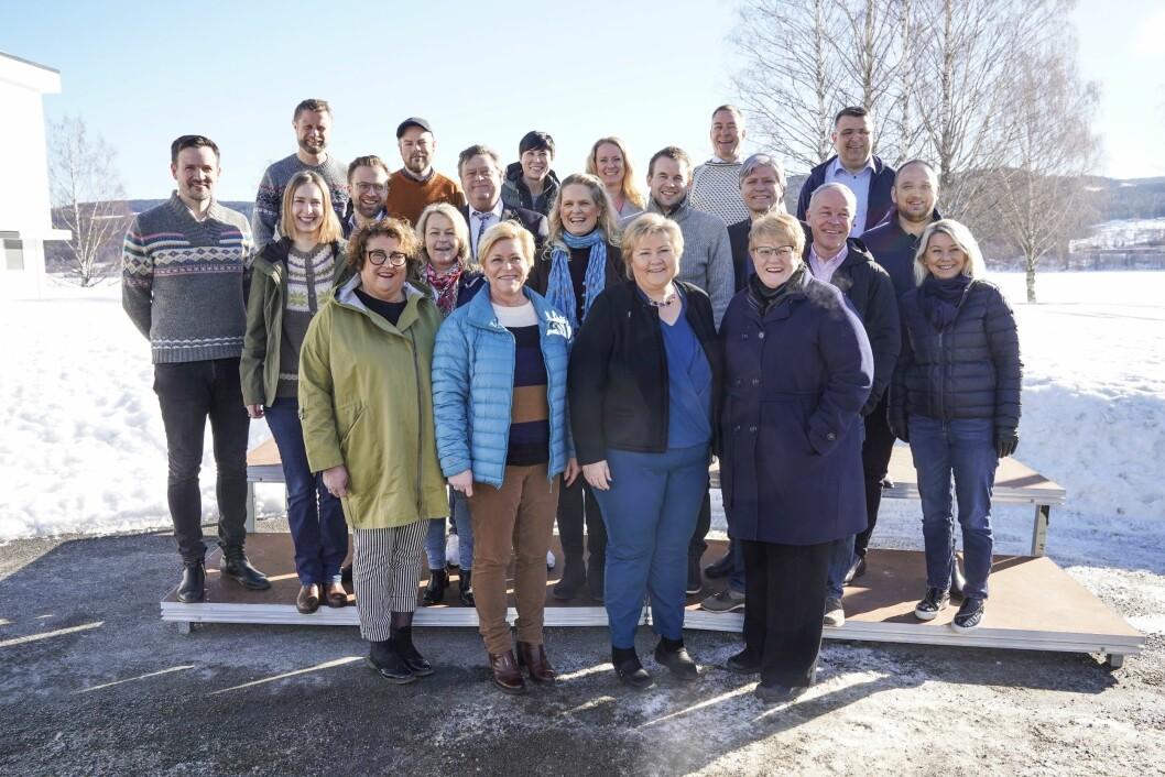 Regjeringen svikter kvalitetsjournalistikken, skriver Erik Waatland. Her er regjeringen i mars 2019 - klare for budsjettkonferanse ved Hurdalssjøen.