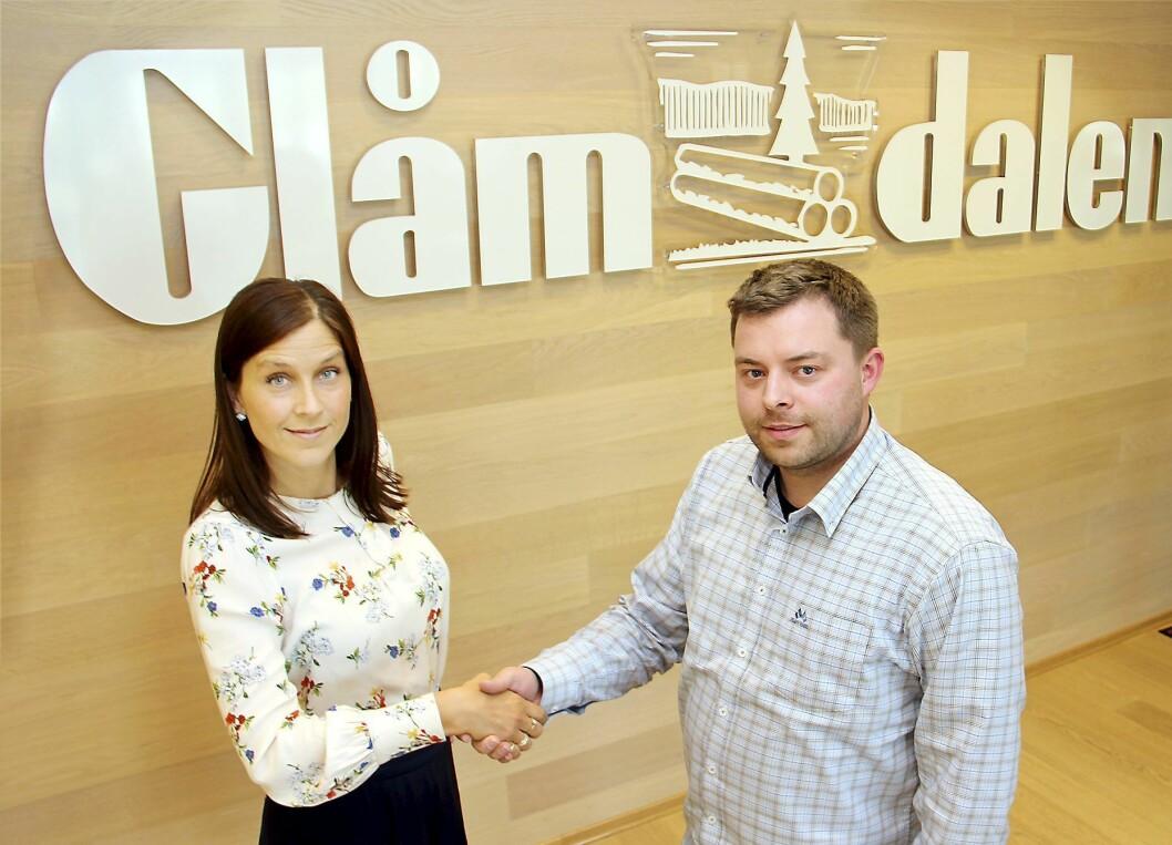 Glåmdalen selger sin eierpost i Radio Kongsvinger til HedmarksRadioene. Kristina Fritsvold Nilsen fra Glåmdalen/Amedia signerte avtalen med Bjørn-Martin Brandett fra HedmarksRadioene 16. mai.