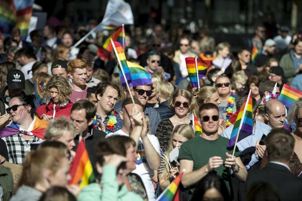 Arkivfoto: Etter Pride-paraden i Stavanger samlet folk seg for å høre statsminister Erna Solberg tale.