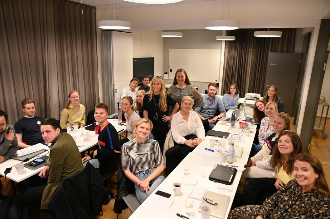 Sommervikarene sammen med innholdsutviklerne Janne Rygh og Stine Holberg Dahl. Foto: Anne Marthe Lilleby