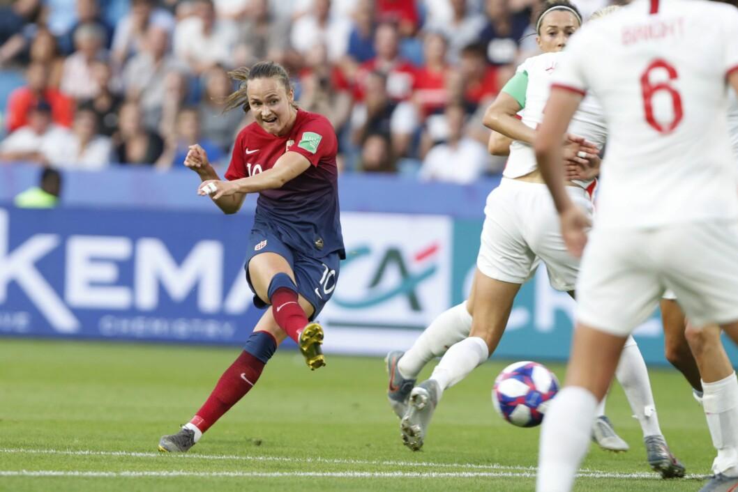 Hele 900 000 nordmenn så på det meste Caroline Graham Hansen (bildet) og Norge i aksjon i kvarfinalen mot England i fotball-VM. Det hjalp likevel lite for en rekordsvar juni for TV-titting.Foto: Terje Bendiksby / NTB scanpix