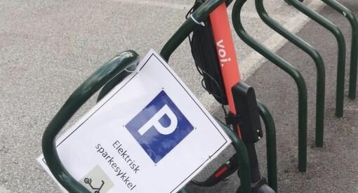 NRK innfører egen parkering for el-sparkesykler på Marienlyst