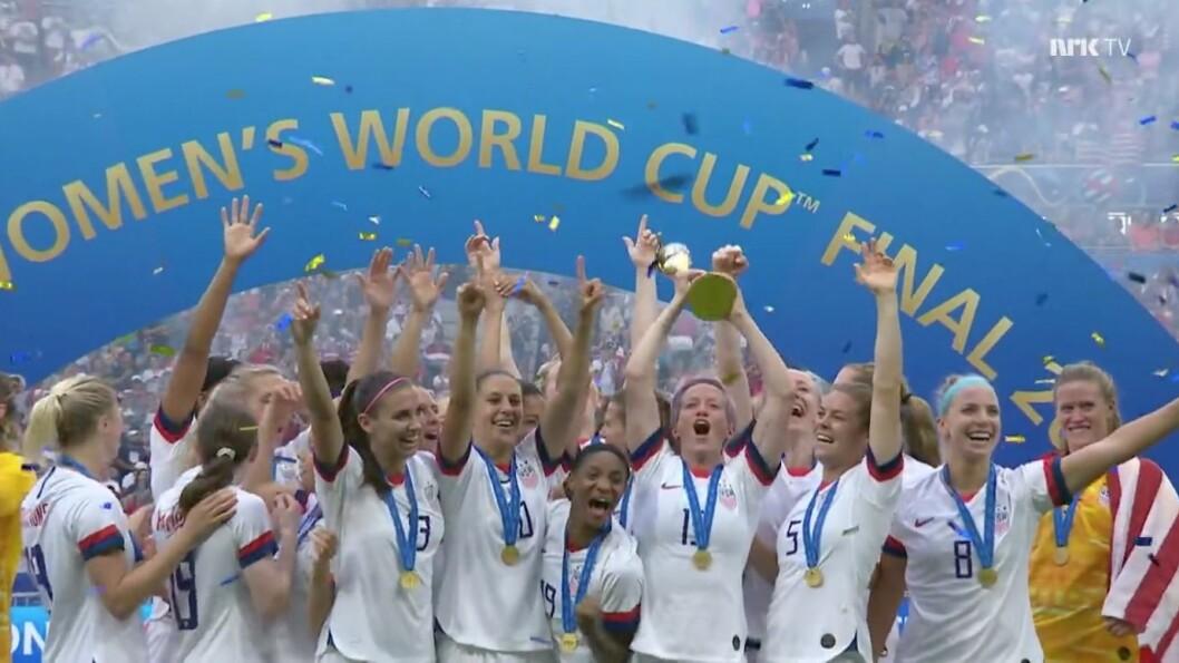 USA feirer VM-gullet etter seieren i finalen over Nederland. Det fikk på det meste en halv million nordmenn med seg.