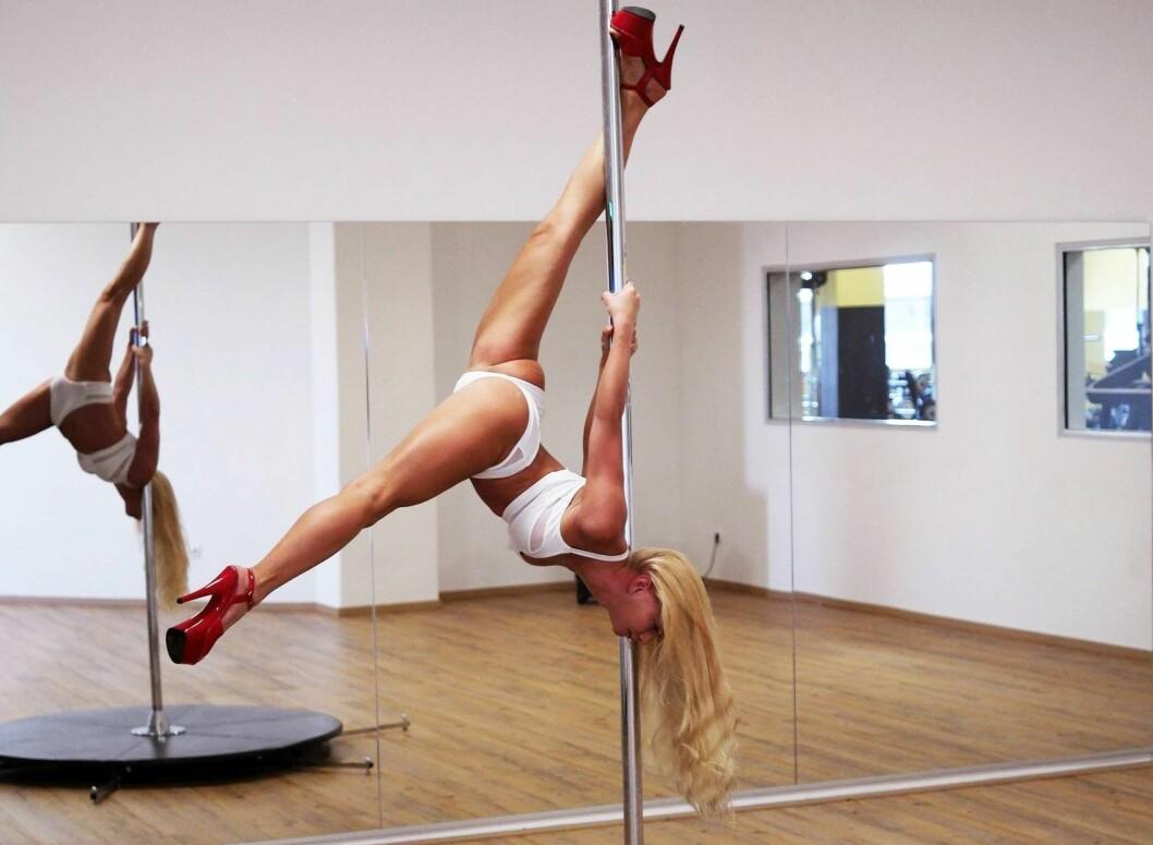 Flere emneknagger som brukes av poledance-miljøet blir sensurert på Instagram.