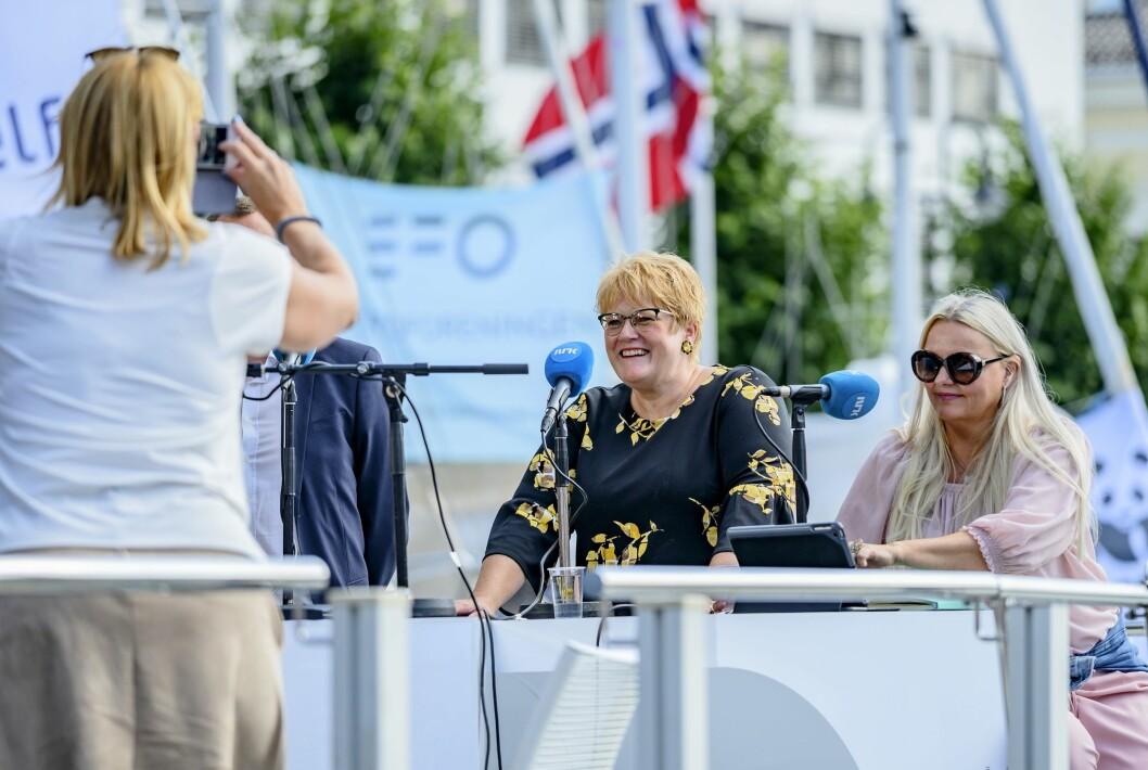 Mediedebatt i Arendal - Åslaug Sem-Jacobsen (t.h) og kulturminister Trine Skei Grande møtte Bjørn Bore i Vårt Land og  Hege Iren Frantzen i Norsk Journalistlag til debatt.