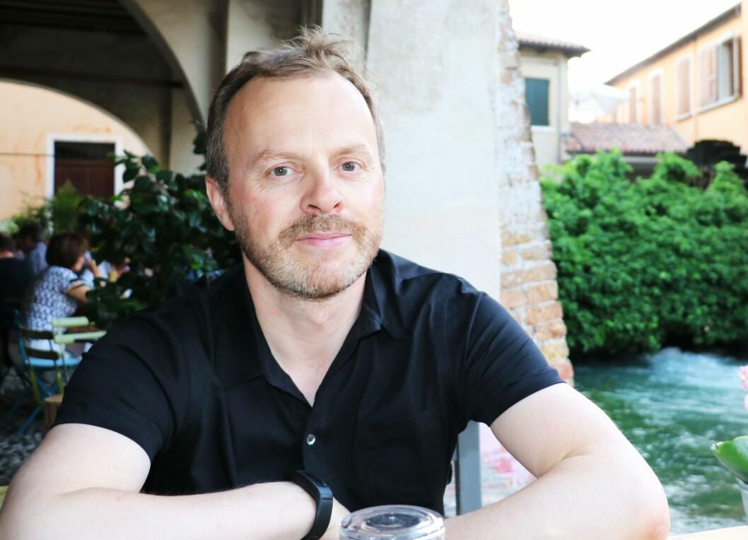 Erlend Fossbakken er ansatt som medierådgiver i Skattedirektoratets kommunikasjonsavdeling.