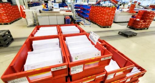 Posten taper flere hundre millioner på posten