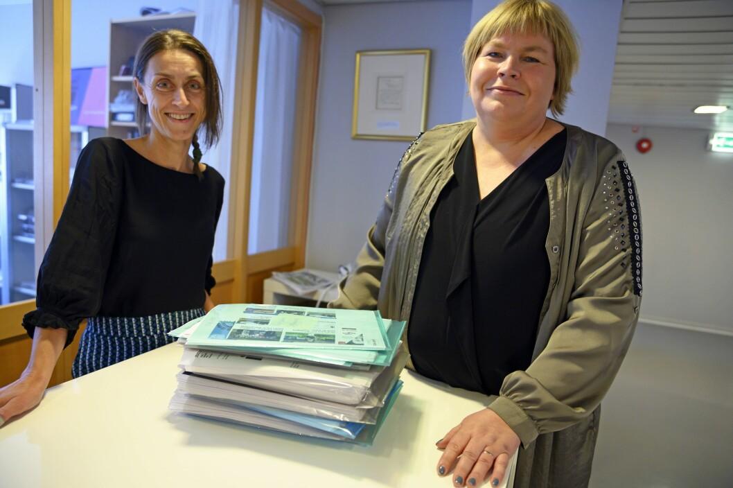 Trude Hansen og Elin Floberghagen i Norsk Presseforbund gleder seg over det nye digitale saksbehandlingssystemet for PFU.