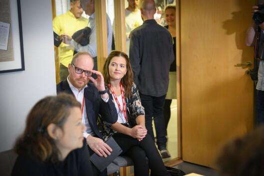 Sjefredaktør Gard Steiro og nyheitsredaktør Tora Bakke Håndlykken i VG i PFU-møtet 28. august 2019.