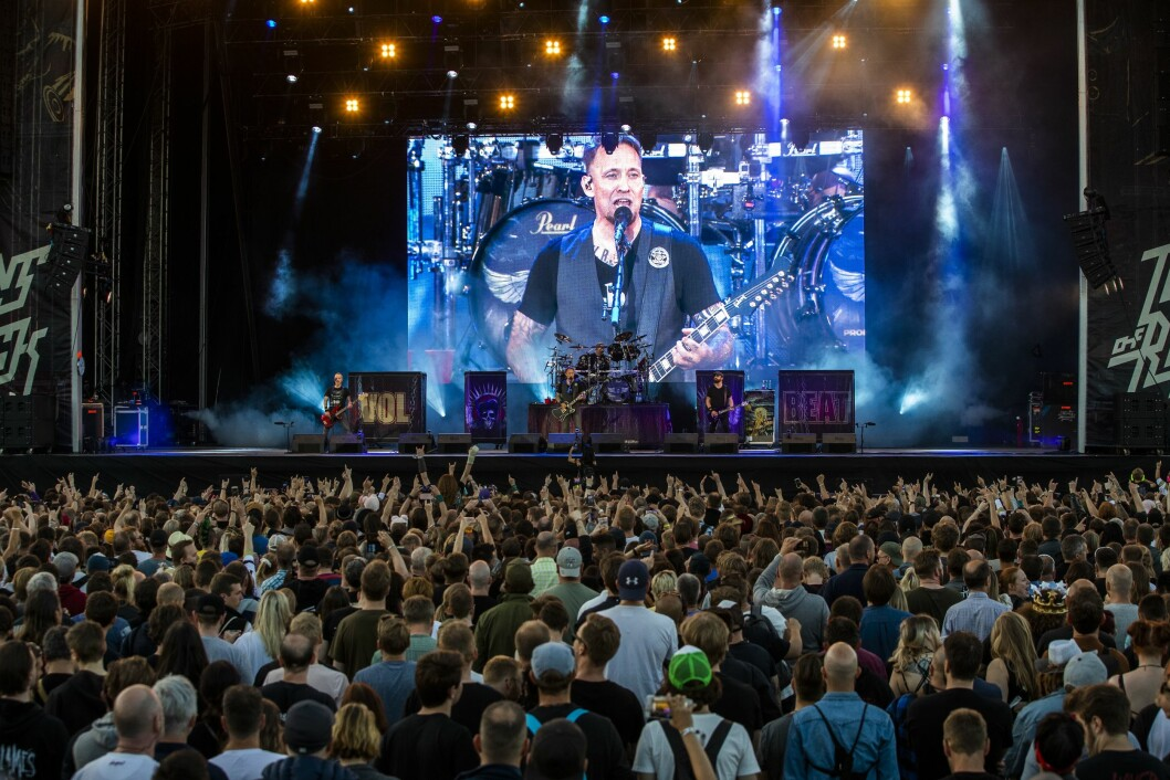 Ni danske medier, blant dem avisene Politiken, Information og Ekstra Bladet, risikerer straffesak fordi de boikotter konserter med heavy metal-bandet Volbeat.
