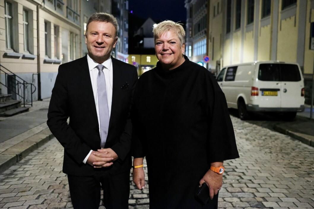 Vebjørn Selbekk, sjefredaktør i Dagen og Anne Gustavsen, nåværende redaktør i KS. Gustavsen overlater redaktøransvaret til Selbekk