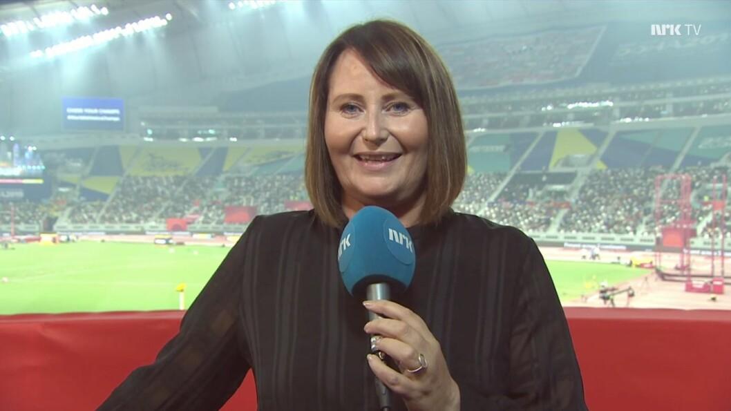 Line Andersen på plass på VM-arenaen i Doha, der klimaet er den største utfordringen for NRKs utsendte team.