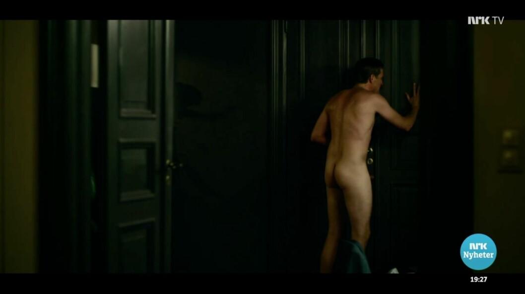 Denne sekvensen fra «Exit», der skuespiller Tobias Santelmann går rundt naken med en erigert penis, var blant klippene som ble vist på Dagsrevyen.