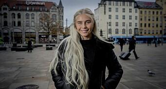Amalie Snøløs blir programleder for «jakten på Norges beste lag i FIFA» på Dplay