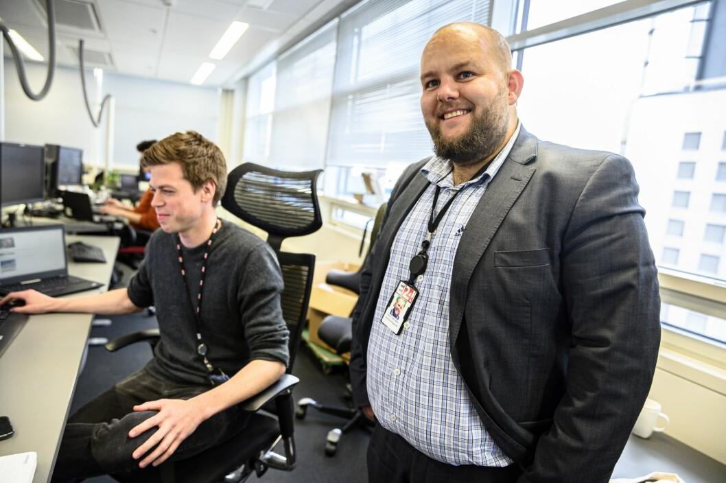 E24-redaktør Gard L. Michalsen (til høyre) og nyhetssjef Steinar Rostad Breivik.