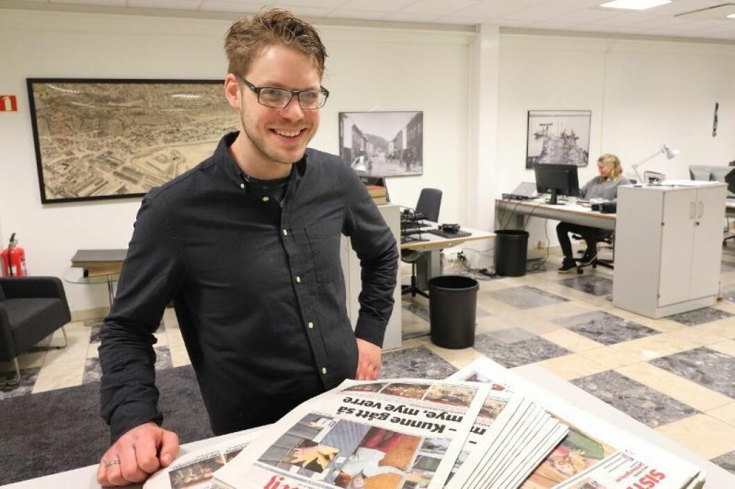 Magnus Franer-Erlingsen (33) er ansatt som ansvarlig redaktør og daglig leder i Sande Avis