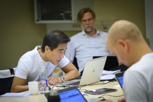 Programleder Fredrik Solvang og NRK-teamet da de forberedet seg til partilederdebatten fredag 6. september.