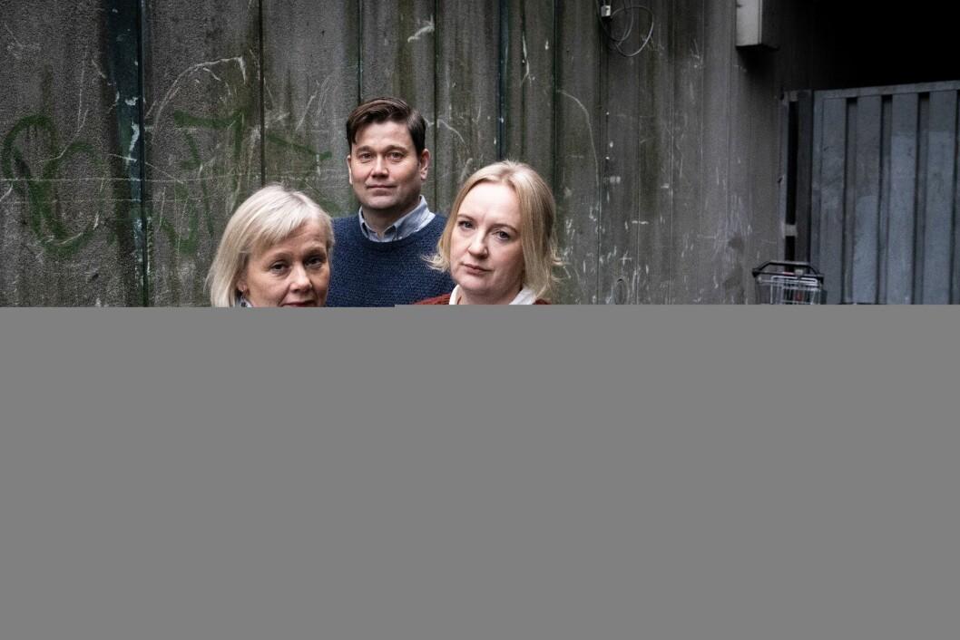 Bergens Tidende-journalistane Kjersti Mjør, Kjetil Gillesvik og debattleiar Liv Skotheim.