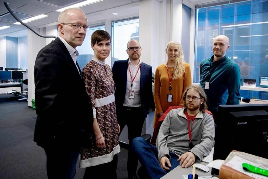 Dette er sekstetten som er sentral i ankesaken. Fra venstre: Generalsekretær i Norsk Redaktørforening, Arne Jensen; advokat i Norsk Journalistlag, Ina Lindahl Nyrud; ansvarlig redaktør i VG, Gard Steiro, og VG-journalistene Mona Grivi Norman, Ola Haram (sittende) og Erlend Ofte Arntsen.