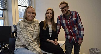 Kristin Axelsen Kildal (22) og Gisken Amanda Eriksen (28) er nye journalister hos Harstad Tidende