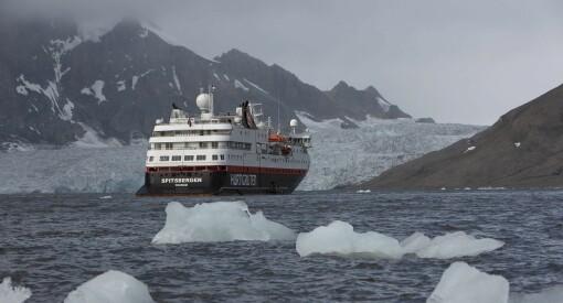 NRKs sakte-TV fra Svalbard har gitt salgsboom for Hurtigruten