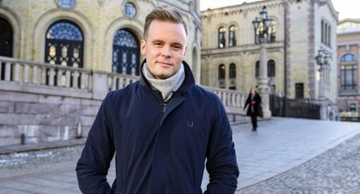 NRK-Cato er bekymret for den politiske journalistikken i Norge: – Det henger noen mørke skyer over den