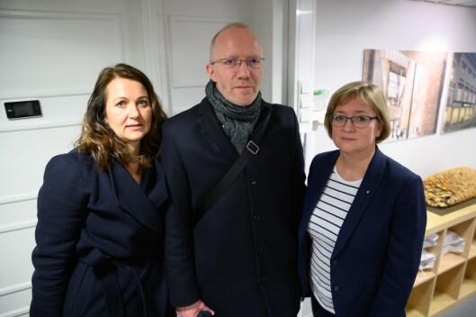 Assisterande generalsekretær Reidun Kjelling nybø, generalsekretær Arne Jensen og styreleiar Hanna Relling Berg i Norsk Redaktørforening (NR). Her etter vedtaket tysdag.
