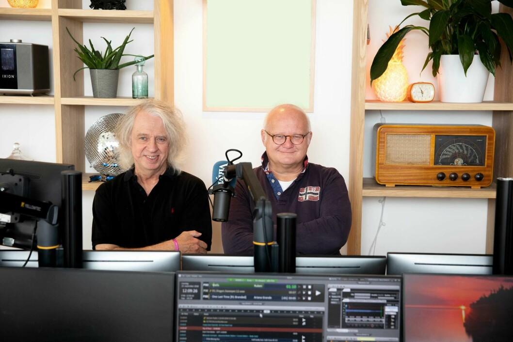 Yan Friis og Finn Bjelke leder programmet «Husarrest» på Radio Vinyl.