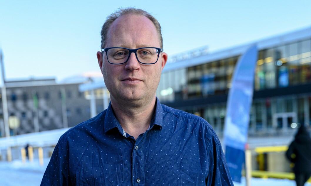 Tomas Bruvik, generalsekretær i LLA, mener lokalavisene har gjort en viktig jobb under koronapandemien.