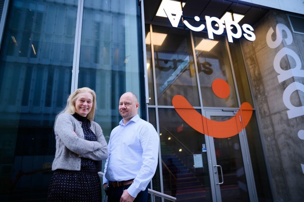 Kommunikasjonsrådgjevar Hege Steinslad og produktsjef Vidar Holm i Vipps.