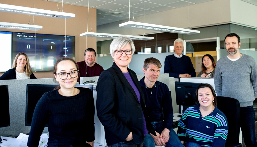Redaksjonen i Vestnytt, med redaktør Marit Kalgraf i midten.