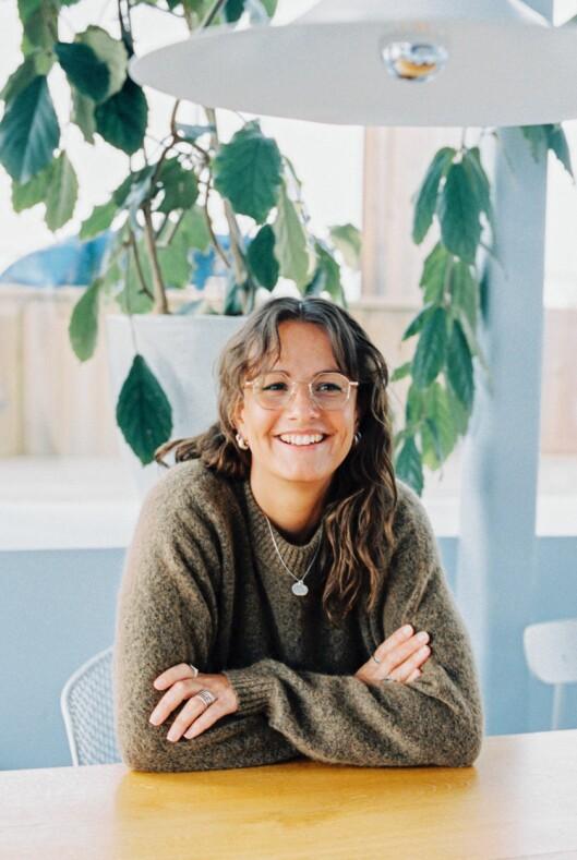 Lotte Camilla Holst-Hansen går fra stillingen som konseptutvikler og fagansvarlig for UX Design i NRK.