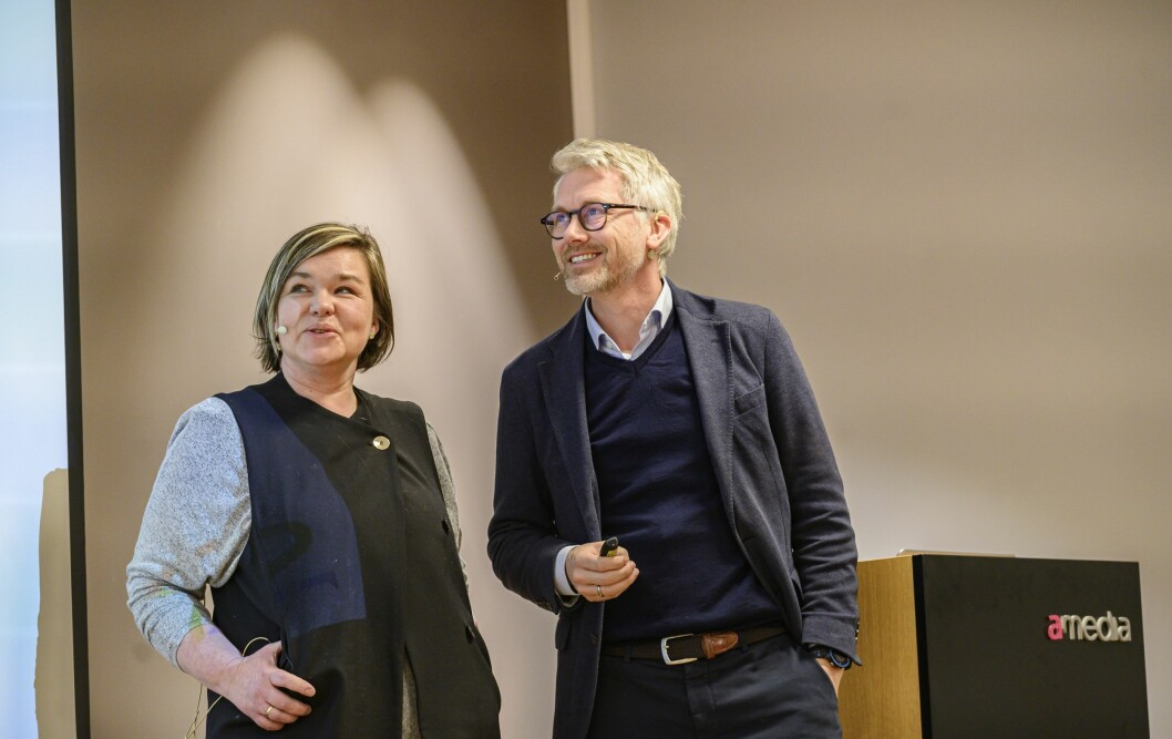 TV 2-sjef Olav T. Sandnes - her sammen med klubbleder Henrikke Helland.