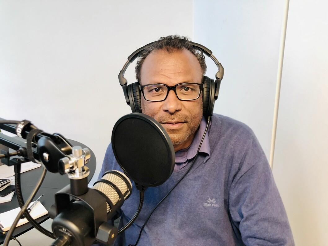 Tidligere NRK-programleder Rajan Chelliah snakker ut i Pressepodden.
