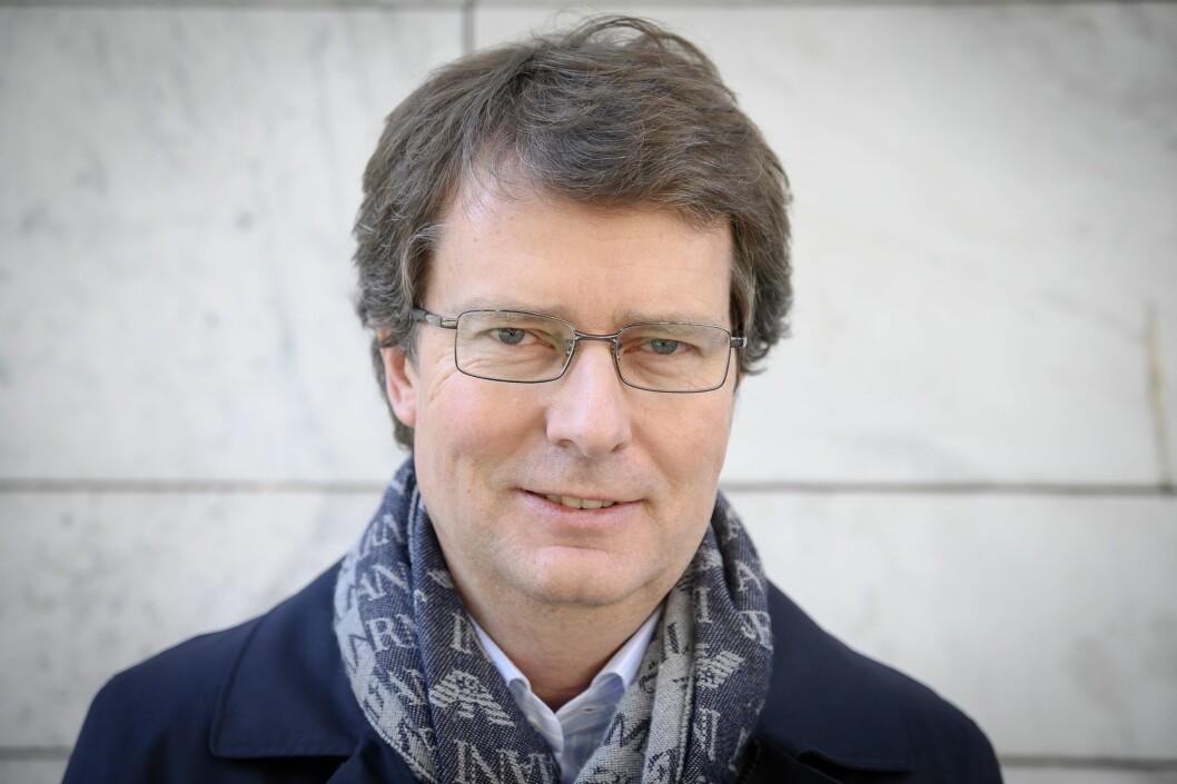 Konsernsjef Per Axel Koch og Polaris Media MidtNorge blir eneeiere av lokalavisen Hitra-Frøya.