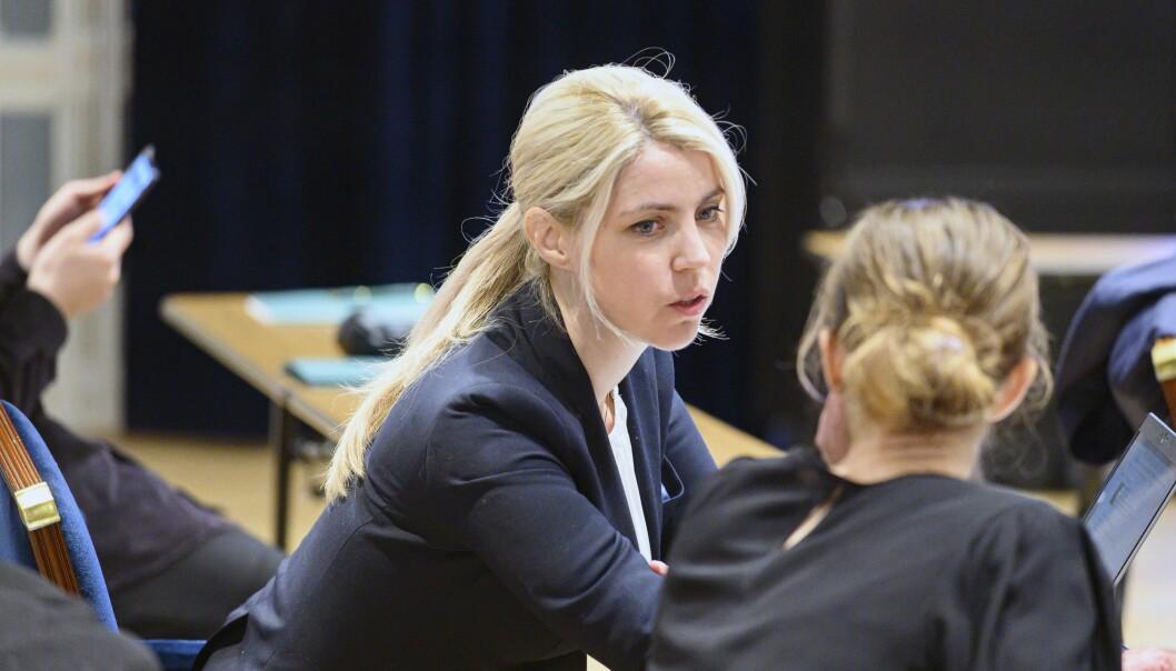 Dagbladets ansvarlige redaktør Alexandra Beverfjord i retten.