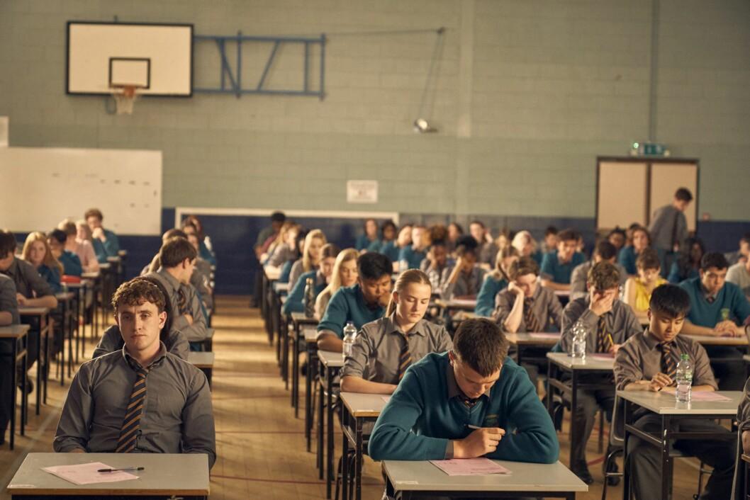 «Normal People» skildrer mange sider ved et moderne tenåringsliv. Også hva som skjer på skolebenken.