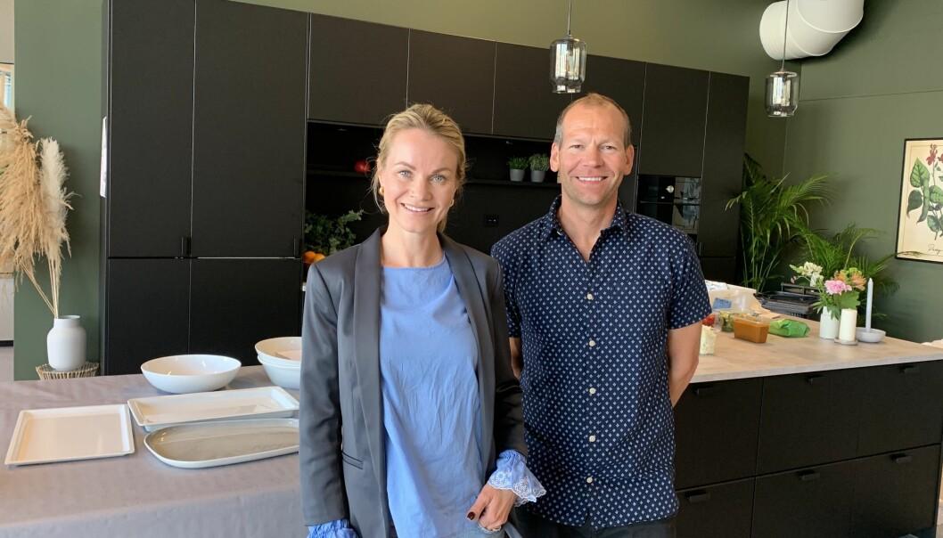 Cecilie Eriksrud fra Schibsted og daglig leder av Matkanalen, Øivind Lindøe, fra åpningen av nytt studio i Haugesund.