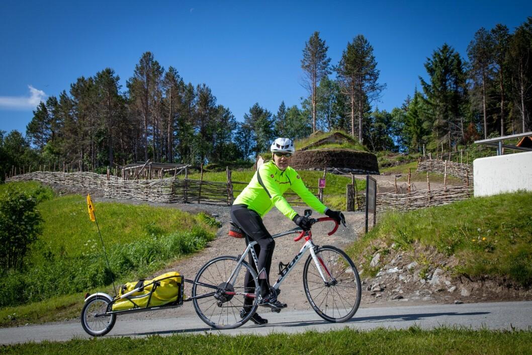 Kjell Rune Henriksen tok sykkelen fatt i forbindelse med produksjonen av redaksjonen.
