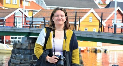 Østerrikske Sarah (20) er elev på videregående: Nå i sommer er hun journalist i Norge