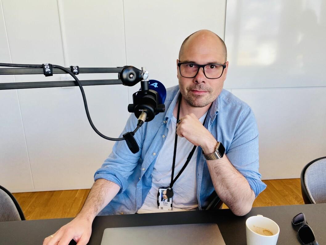Påtroppende konsernsjef Anders Opdahl (41) i Amedia. Her under innspilling av Pressepodden.