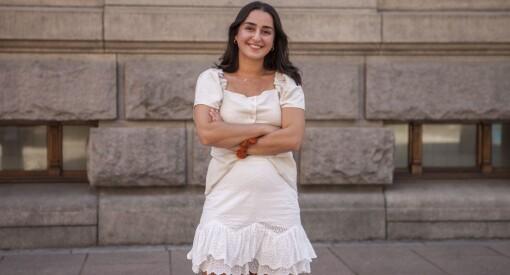 Bahar Darabi (26) fast ansatt som medierådgiver i Medier24