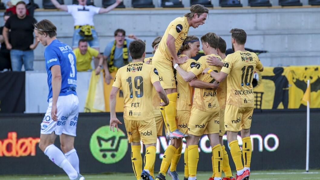Både supportere, spillere og Avisa Nordland kunne juble da Bodø/Glimt slo Molde 3-1 på Aspmyra stadion søndag kveld.