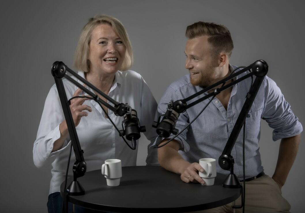 Marie Simonsen (til venstre) og Nicolai Delebekk lanserer i disse dager en nyhetspodkast for Dagbladet.