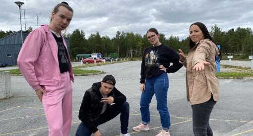 Samiske språk risikerer å dø ut. Nå tar NRK grep