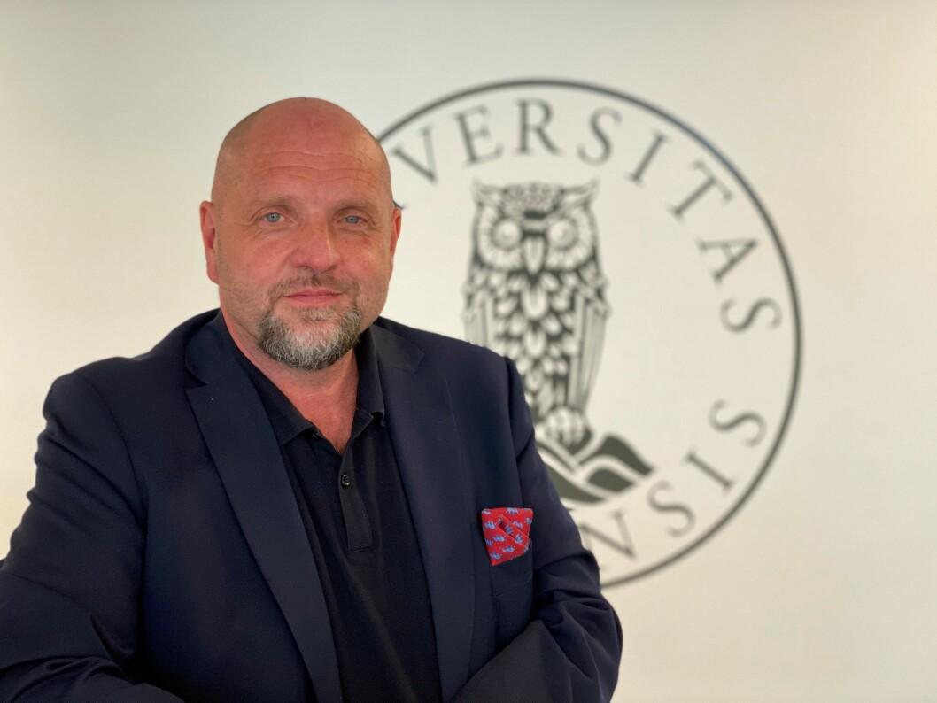 Tor Godal er ferdig som kommunikasjonsdirektør ved UiB, og skal ta fatt på jobben som nyhetsredaktør i BA.